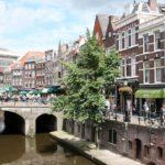Auto sloop Utrecht langs grachten