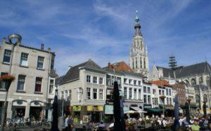 Oude auto ophalen grote markt Breda